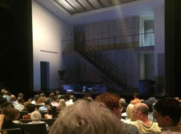 Laura Pels Theatre, secção: Orch, fila: L, lugar: 2