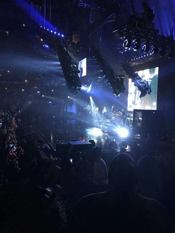 State Farm Arena, secção: 102, fila: J, lugar: 3