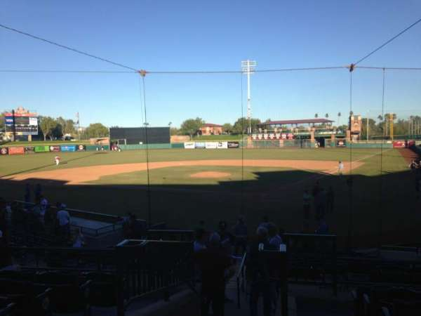 Scottsdale Stadium, secção: 303, fila: 1, lugar: 13