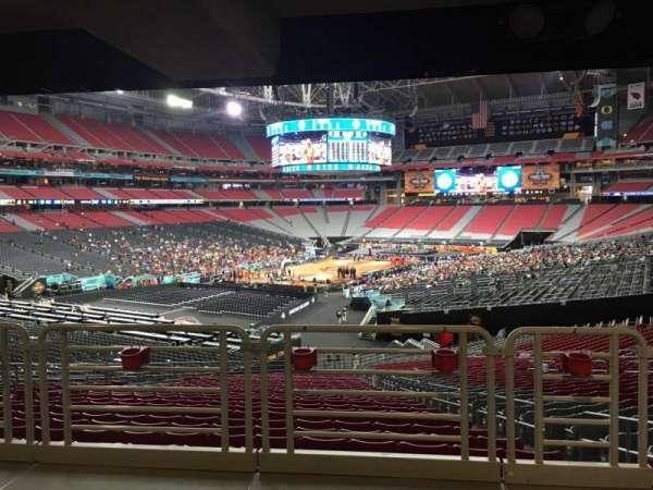 State Farm Stadium, secção: 137, fila: WC, lugar: 4