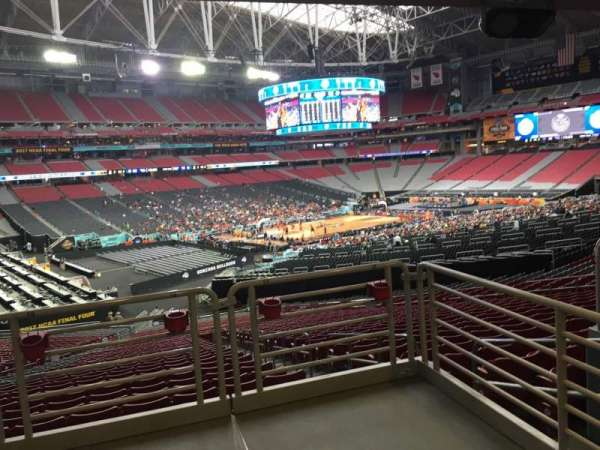 State Farm Stadium, secção: 135, fila: WC, lugar: 18