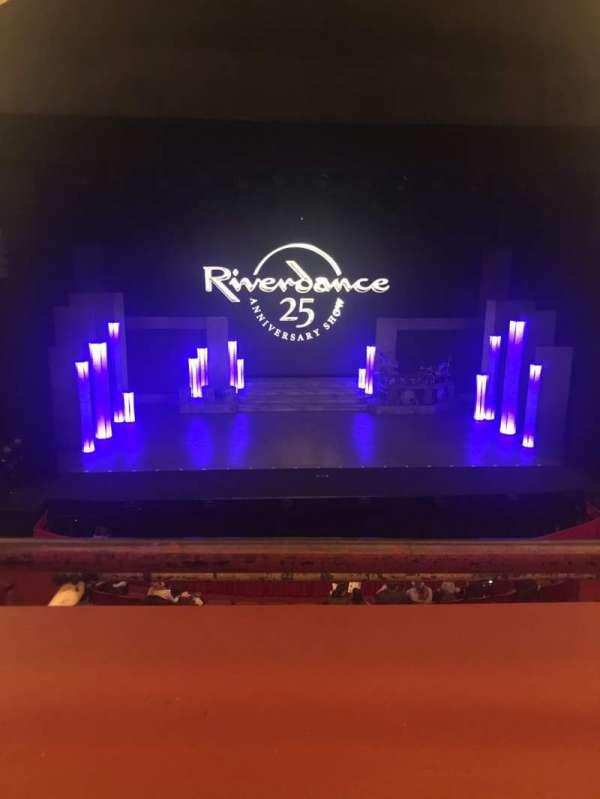 Cadillac Palace Theater, secção: LOGE C, fila: A, lugar: 311