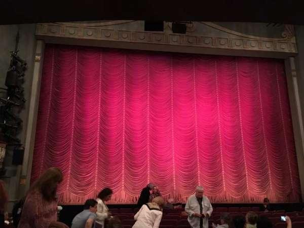 Broadhurst Theatre, secção: Orchestra C, fila: M, lugar: 102