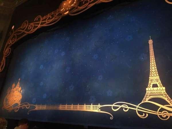 Broadhurst Theatre, secção: Orchestra R, fila: E, lugar: 2