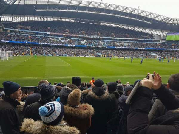 Etihad Stadium (Manchester), secção: 109, fila: L, lugar: 201