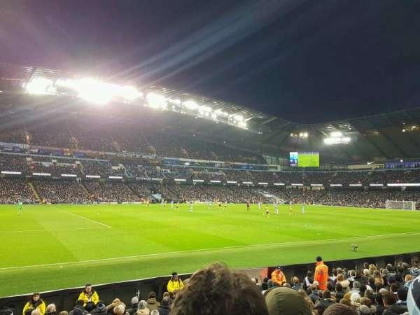 Etihad Stadium (Manchester), secção: 109, fila: L, lugar: 220