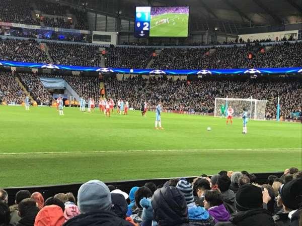 Etihad Stadium (Manchester), secção: 105, fila: H, lugar: 97