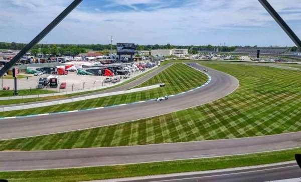 Indianapolis Motor Speedway, secção: E Penthouse Box 8, fila: E, lugar: 1