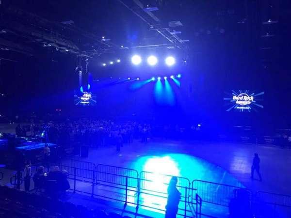Hard Rock Live at Etess Arena, secção: 205, fila: H, lugar: 5