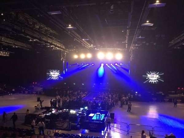 Hard Rock Live at Etess Arena, secção: 207, fila: Q, lugar: 2