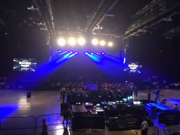Hard Rock Live at Etess Arena, secção: 208, fila: K, lugar: 10