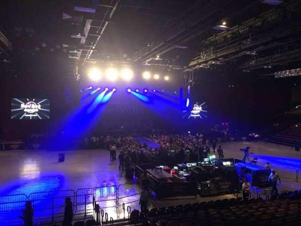 Hard Rock Live at Etess Arena, secção: 209, fila: O, lugar: 4