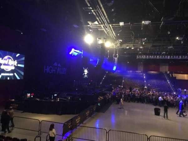 Hard Rock Live at Etess Arena, secção: 213, fila: J, lugar: 7