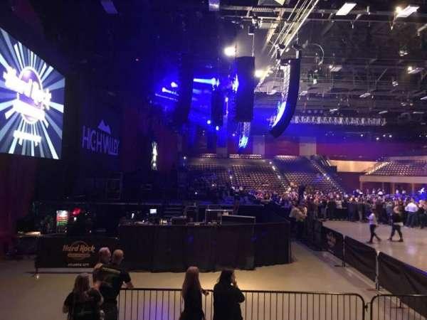 Hard Rock Live at Etess Arena, secção: 214, fila: E, lugar: 10