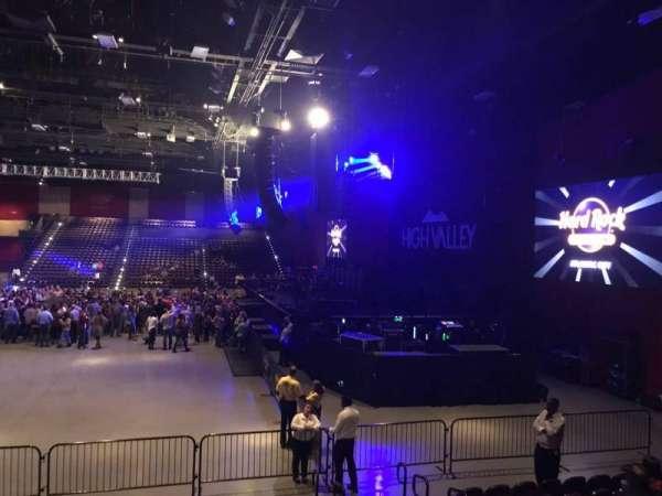 Hard Rock Live at Etess Arena, secção: 202, fila: J, lugar: 5