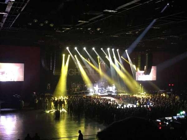 Hard Rock Live at Etess Arena, secção: 210, fila: T, lugar: 6