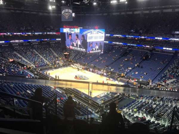 Smoothie King Center, secção: 328, fila: 7, lugar: 9