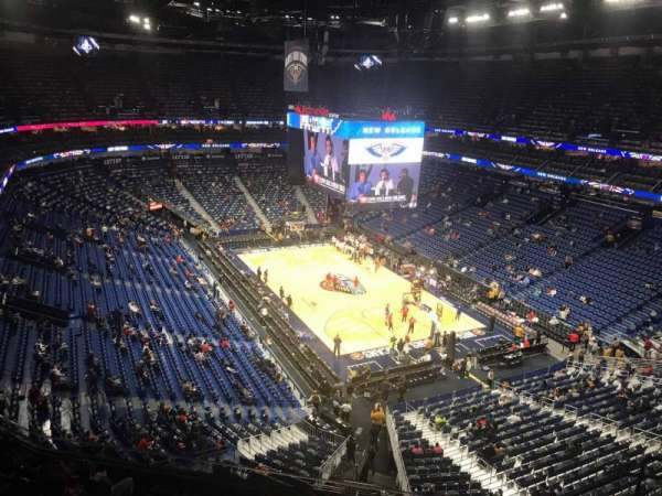 Smoothie King Center, secção: 327, fila: 9, lugar: 6