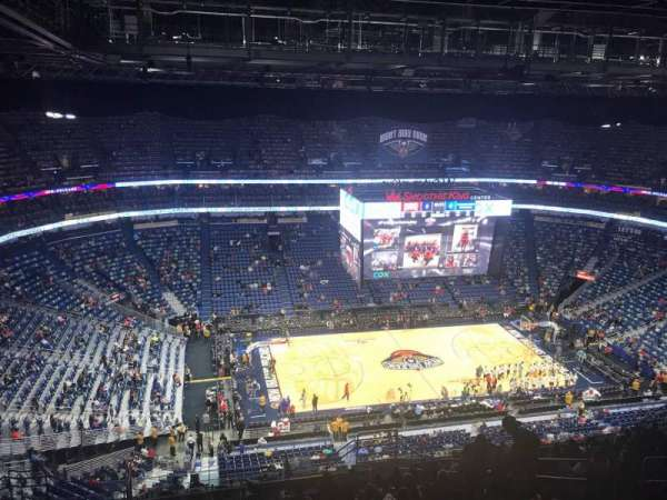 Smoothie King Center, secção: 318, fila: 19, lugar: 9