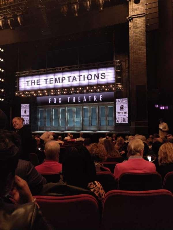 Imperial Theatre, secção: Orchestra R, fila: M, lugar: 3