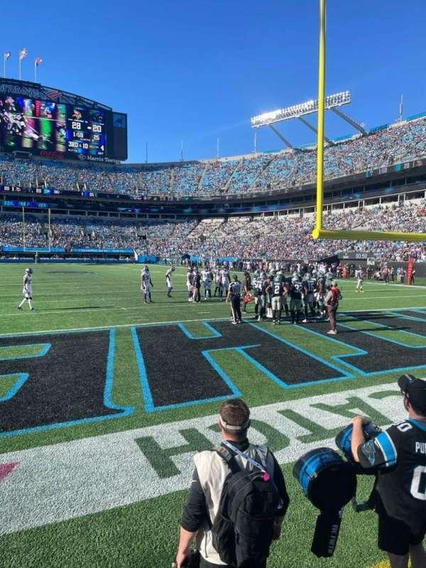 Bank of America Stadium, secção: 122, fila: 1, lugar: 7