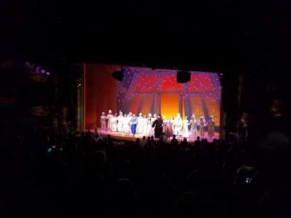 New Amsterdam Theatre, secção: Orchestra R, fila: U, lugar: 4