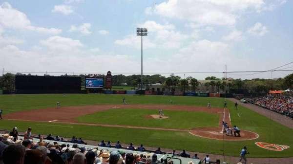 Ed Smith Stadium, secção: 215, fila: 14, lugar: 20