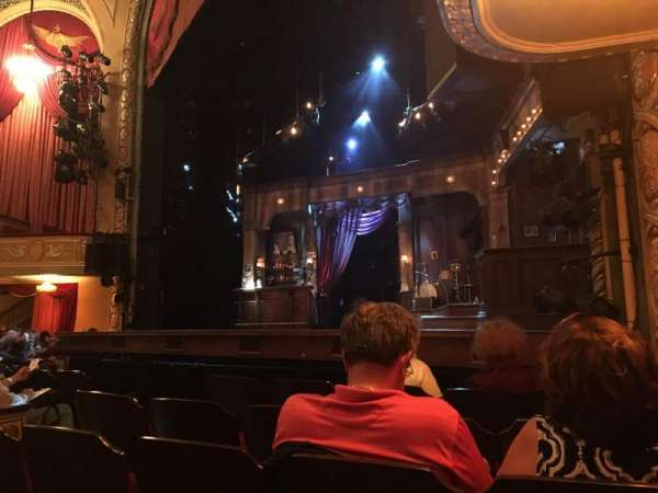 Bernard B. Jacobs Theatre, secção: Orchestra R, fila: E, lugar: 14