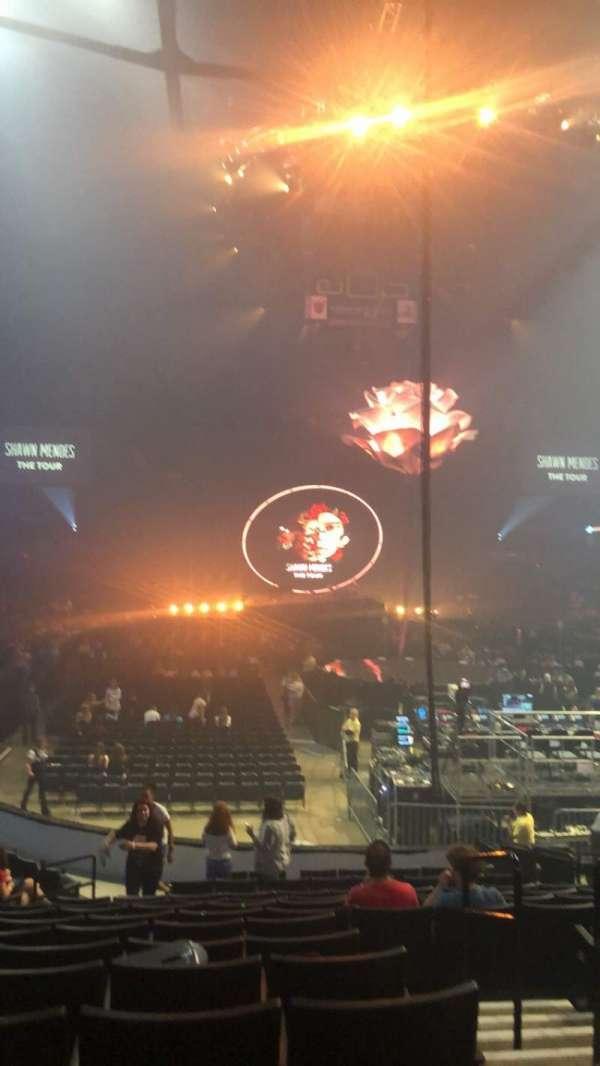 Van Andel Arena, secção: 102, fila: P, lugar: 2
