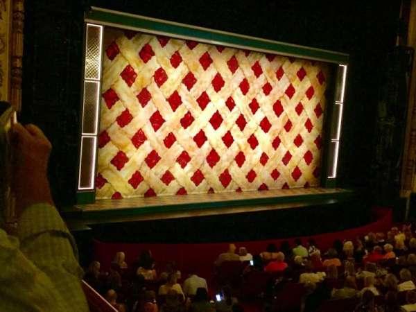 Cadillac Palace Theater, secção: Dress Circle L, fila: EE, lugar: 1