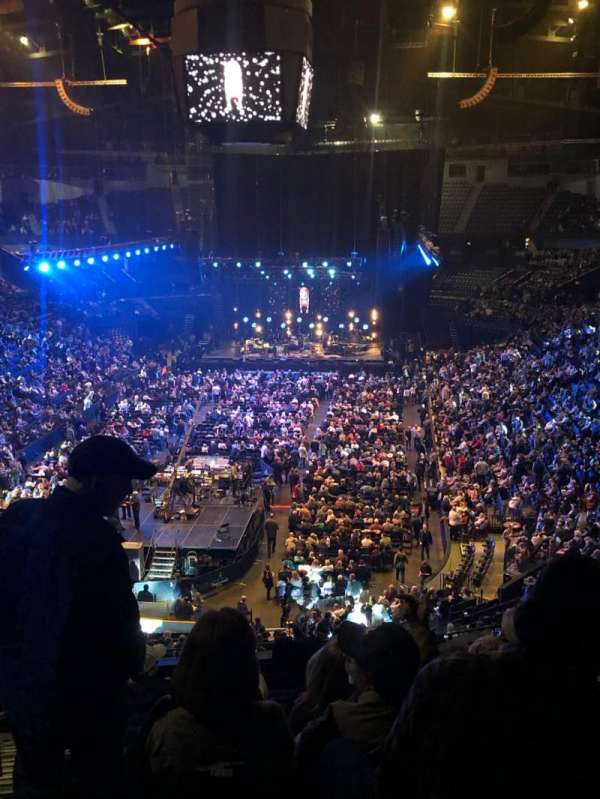 Bridgestone Arena, secção: 202, fila: J, lugar: 14