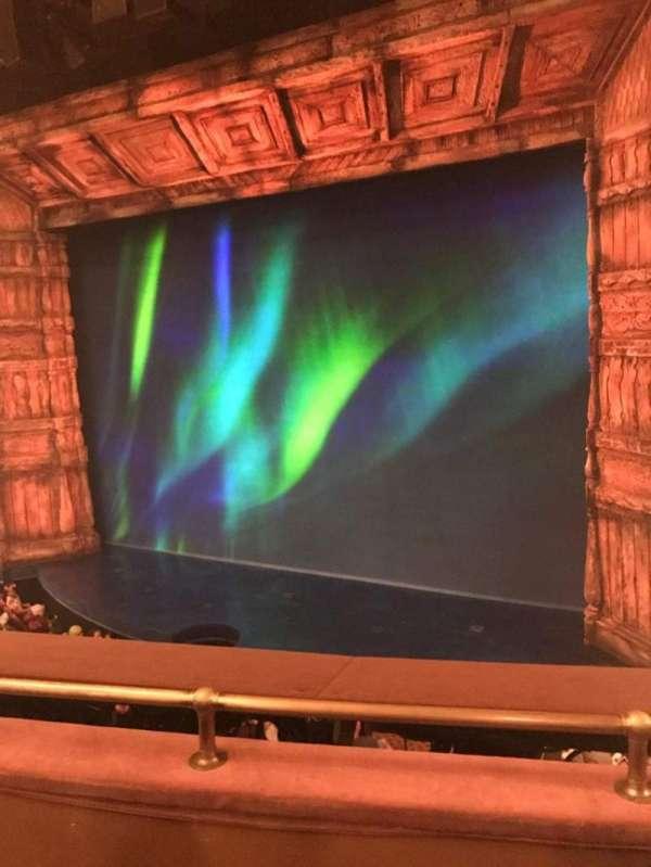 St. James Theatre, secção: Mezzanine R, fila: C, lugar: 16