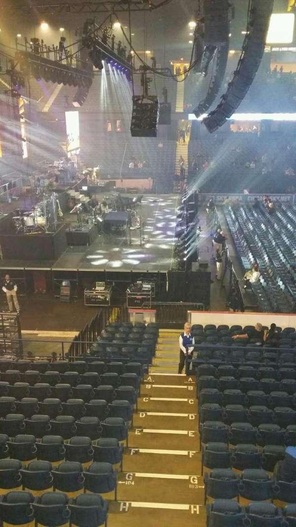 Allstate Arena, secção: 203, fila: A, lugar: 31