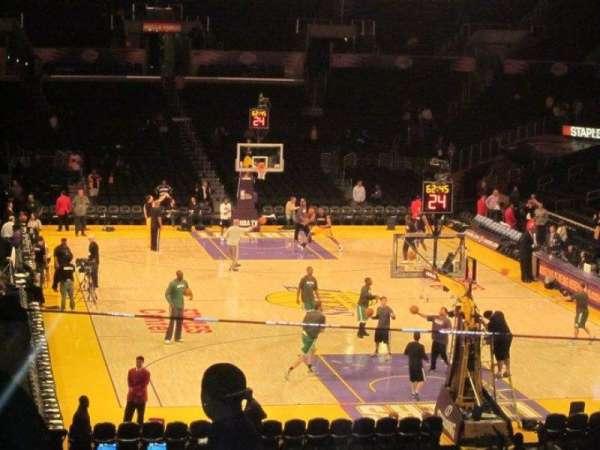 Staples Center, secção: 218, fila: 10
