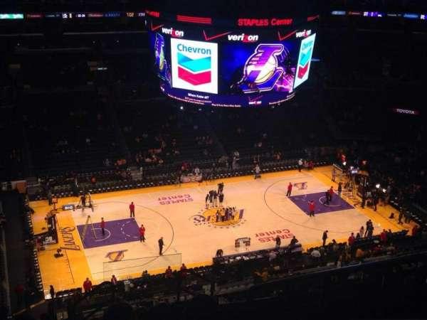 Staples Center, secção: 303, fila: 11, lugar: 4