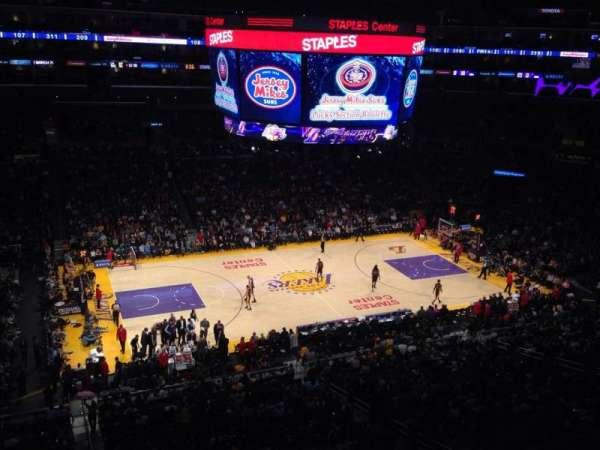 Staples Center, secção: Suite C15, fila: GA, lugar: GA