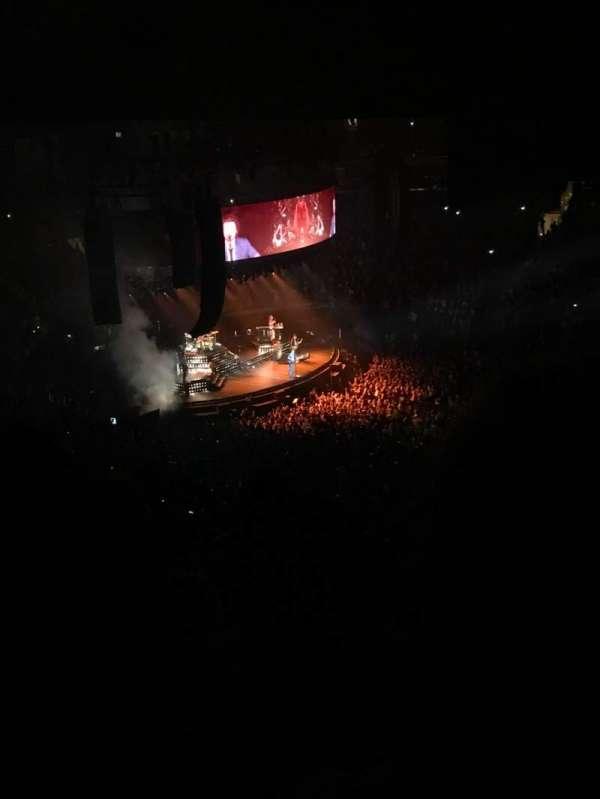 Madison Square Garden, secção: 225, fila: 15, lugar: 17