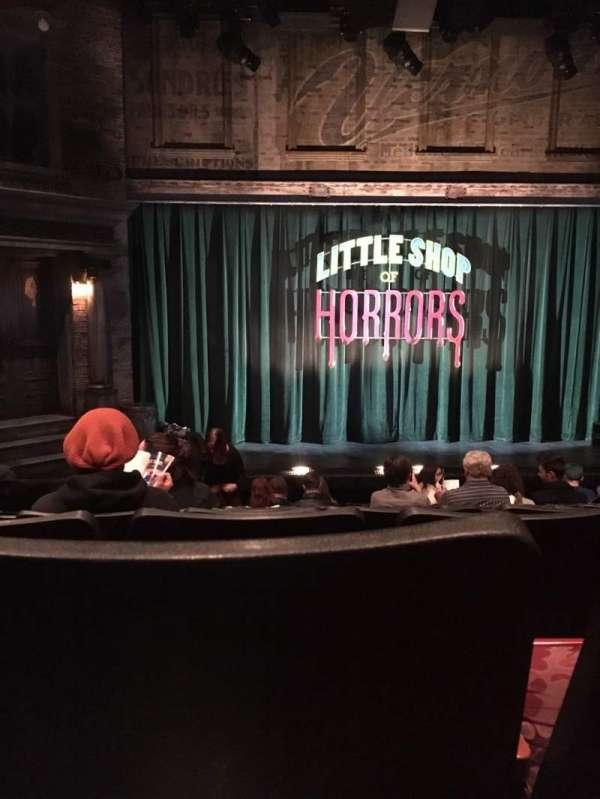 Westside Theatre, secção: Orchestra, fila: K, lugar: 110