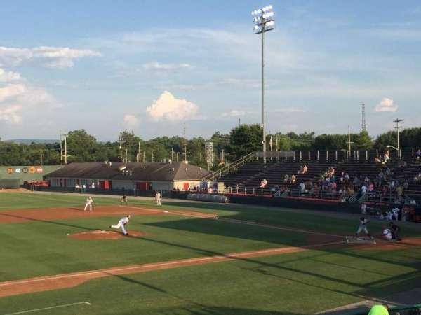 Municipal Stadium, secção: GA, fila: GA, lugar: GA