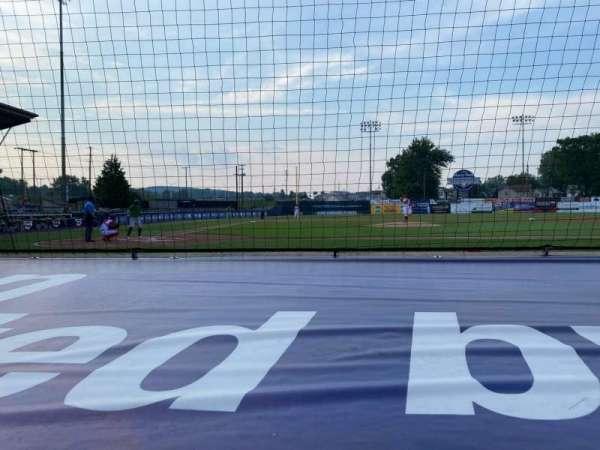 BB&T Ballpark at Historic Bowman Field, secção: D, fila: F, lugar: 3