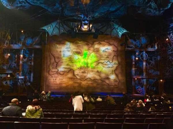 Gershwin Theatre, secção: Orchestra C, fila: O, lugar: 110