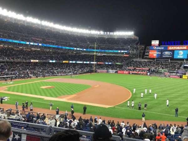 Yankee Stadium, secção: 214A, fila: 3, lugar: 7
