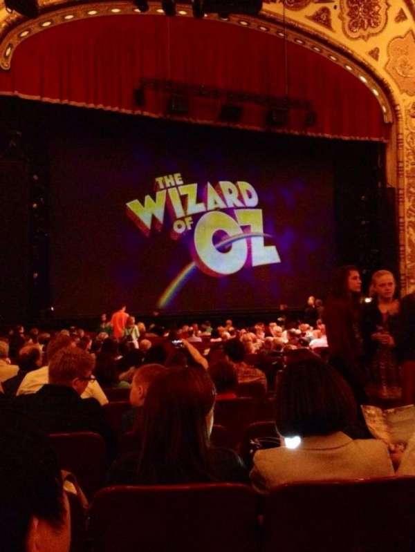 Cadillac Palace Theater, secção: Orchestra L, fila: S, lugar: 13