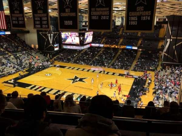 Memorial Gymnasium (Vanderbilt), secção: 3G, fila: 10, lugar: 6