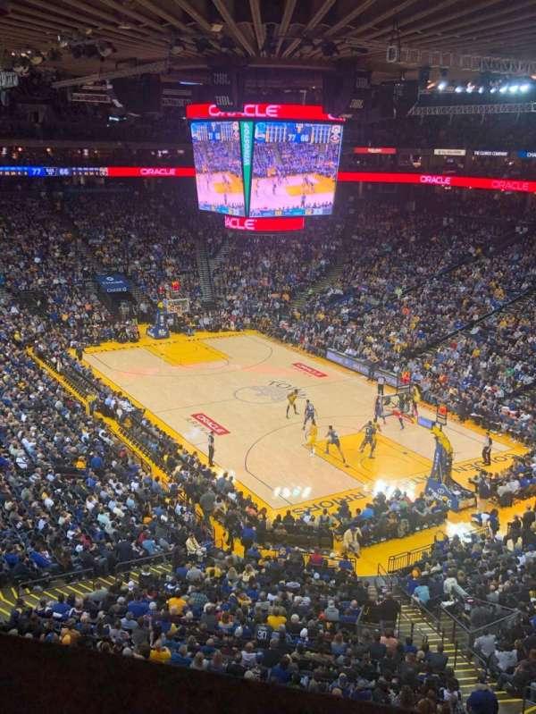 Oakland Arena, secção: 212, fila: 1, lugar: 3
