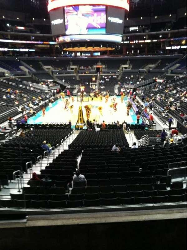Staples Center, secção: 207, fila: 3, lugar: 8
