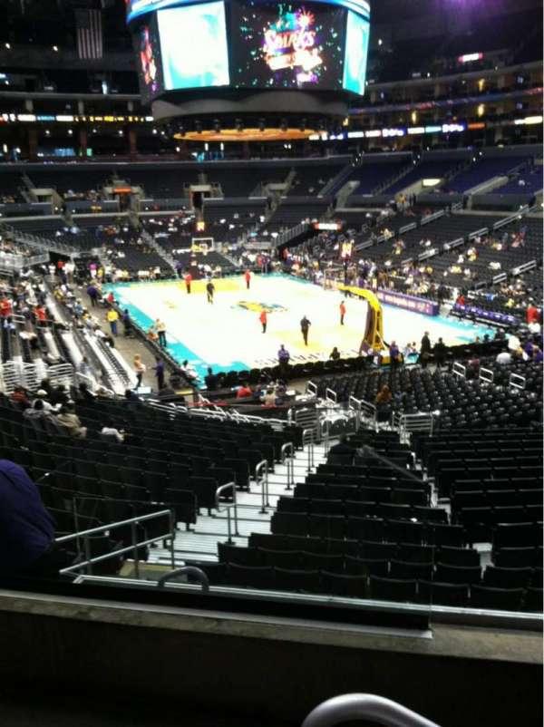 Staples Center, secção: 209, fila: 3, lugar: 9