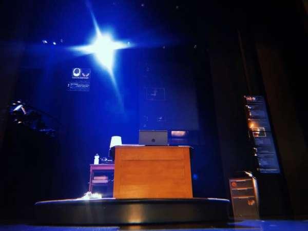 Music Box Theatre, secção: Orchestra C, fila: A, lugar: 104