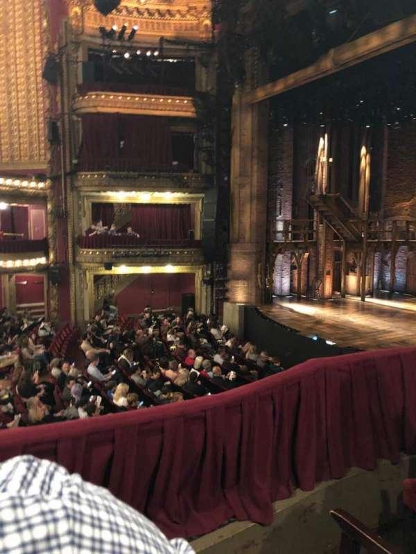 CIBC Theatre, secção: Dress Circle Box 2, fila: BX2, lugar: 216