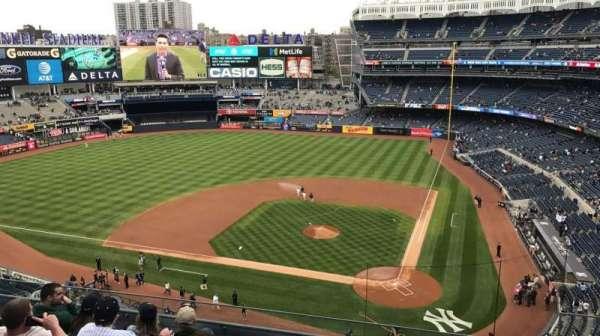 Yankee Stadium, secção: 322, fila: 6, lugar: 4